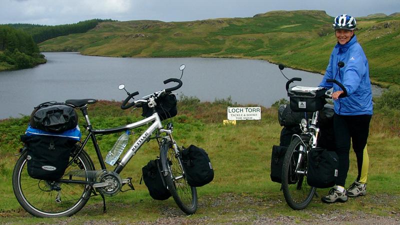 Beate Steger in den Highlands bei Loch Torr