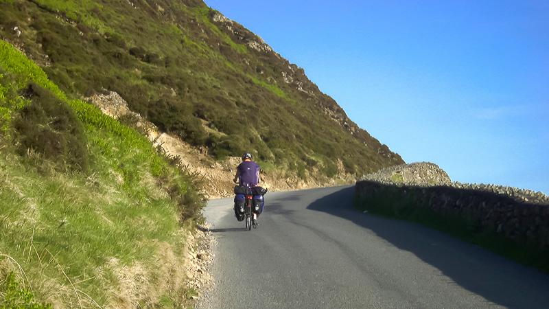 Carol Streeter Richtung Wicklow Mountains unterwegs mit dem Rad