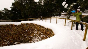 Mallorca: Beate Steger versucht, das Schneehaus zu füllen