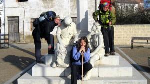 Pilgerstatue mit Beate Steger