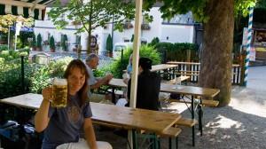 Beate Steger auf dem Münchner Jakobsweg
