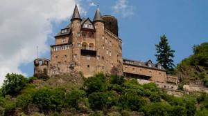 Burg Katz oberhalb von  St. Goarshausen