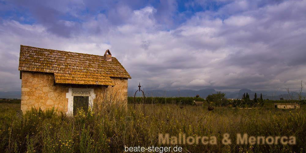 Mallorca-Inselinnere-Haus-Felder