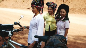 Frauen der schwarzen Hmong